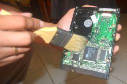 membersihkan Hard disk